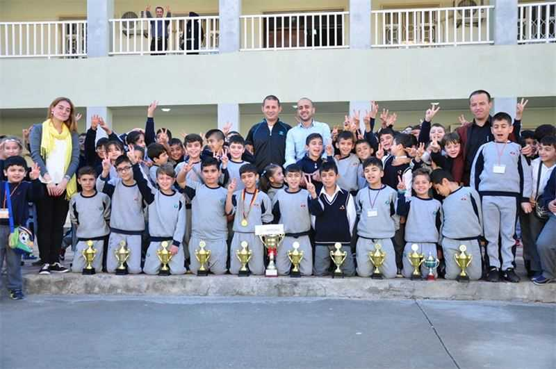 Grade 5 Soccer Team Congratulated in Trophy Ceremony