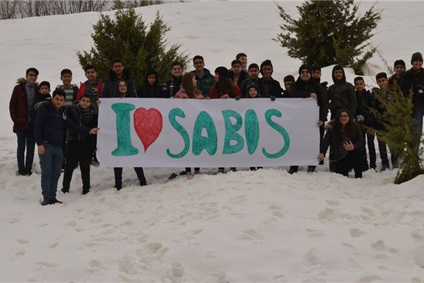 ZAKHO STUDENTS ENJOY A TRIP TO THE SNOW