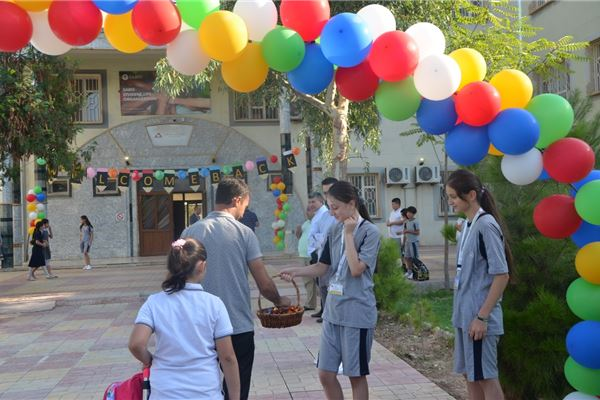 ZAKHO IS STUDENTS ENJOY THEIR FIRST DAY AT SCHOOL