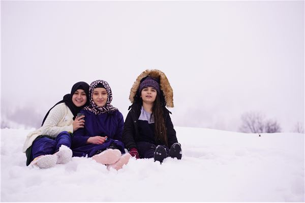 ZAKHO IS GR.7 AND GR.9 STUDENTS ENJOY A SNOW TRIP